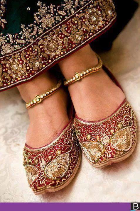 5a78e8994ee0 Step n Style Punjabi Jutti Shoes Ethnic Shoes Beaded Sandals Khussa Wedding  Jutti  footwear  kolhapuri  jutti  india  fashion  bollywood  costume   wedding ...