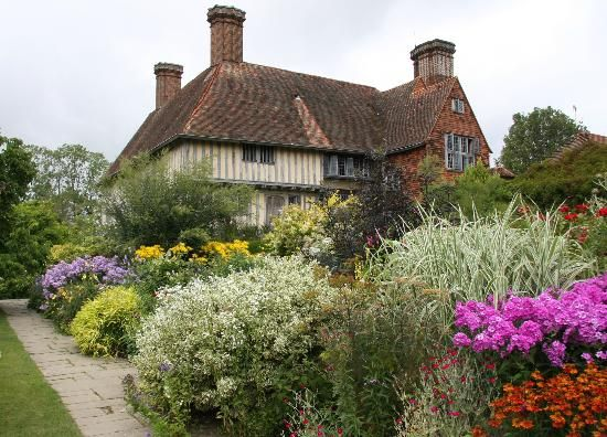 Great British Gardens: Great Dixter in Sussex - A Quintessential English Style Garden