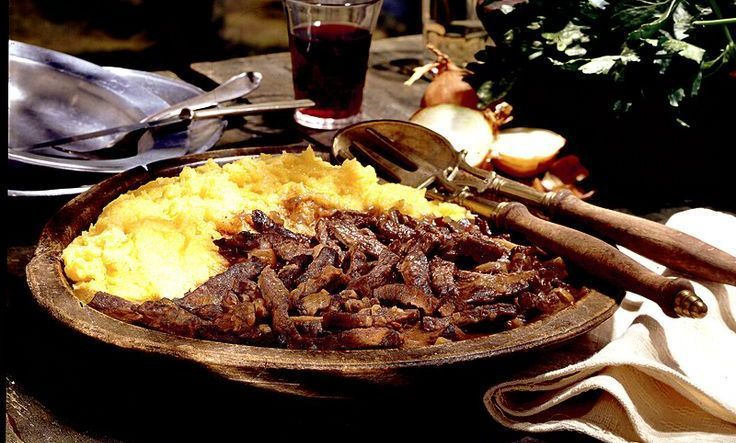 20 traditional Christmas dishes from Italy: Carbonata (Beef In Red Wine) - VALLE D'AOSTA