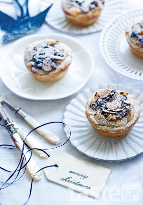 Everyone Will Love These Spectacular Christmas Tarts