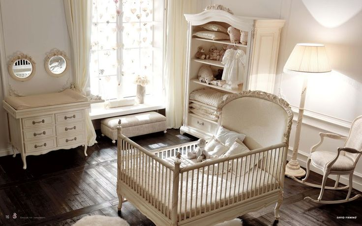 Luxusní italský nábytek do pokojíčku pro ty úplně nejmenší od Savio Firmino. Kompletní nabídku dětského nábytku této značky naleznete zde: http://www.saloncardinal.com/galerie-savio-firmino-aca