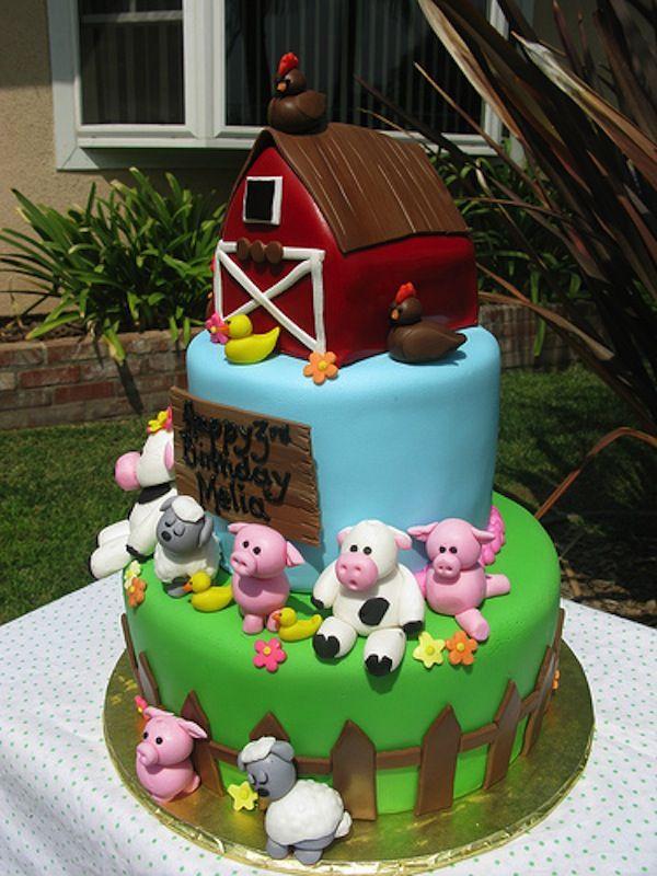 Farm Cake Decorations Uk : 1000+ ideas about Farm Birthday Cakes on Pinterest ...