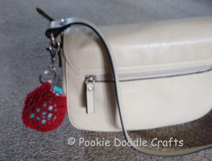 Plastic carrier bag holder - free pattern