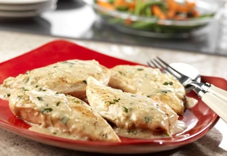 This fabulous skillet dish features moist, tender chicken sautéed in a creamy sauce flavored with fresh herbs and garlic. So easy….yet absolutely delicious!