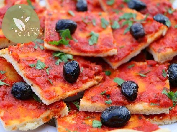 Pizza algérienne à l'ancienne http://www.evasion-culinaire.com/pizza-algerienne/
