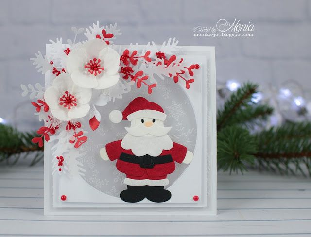 Card by DT member Monika with Collectables Eline's Helleboras (COL1394), Eline's Santa (COL1391), Craftables Basic Round (CRCR1331) and Basic Square (CR1254) by Marianne Design