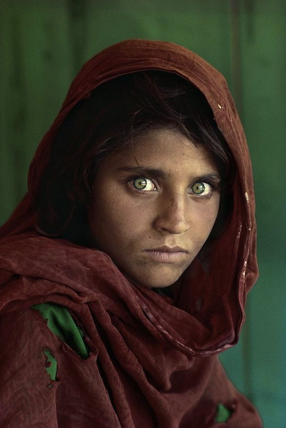 Most of us have seen Steve McCurry's National Geographic portrait of the Afghan girl pictured above. McCurry has the rare ability to capture extremely powerful images that stay branded in our minds, never to be forgotten.