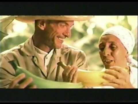 """Commercial for Natuchips, from """"el platano (y la yuca) más bonito que he cosechado"""" Superlative & culture - Hispanic food #langchat"""