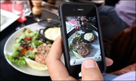 Smartphone app helps fight obesity, study says