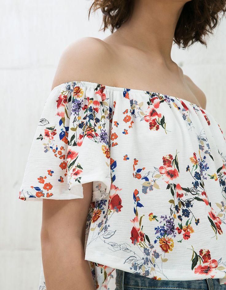 T-shirt volants Veracruz. Découvrez cet article et beaucoup plus sur Bershka, nouveaux produits chaque semaine.