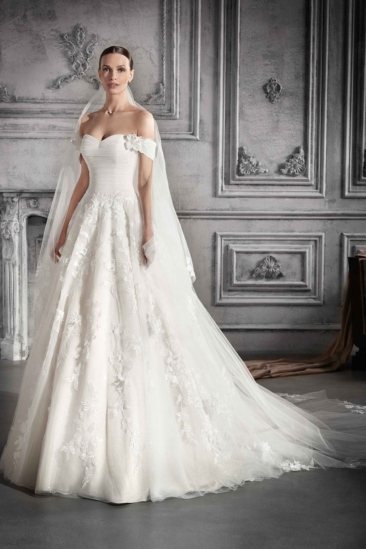 Lace wedding dress drawing december 2018  best beauty cloth images on Pinterest