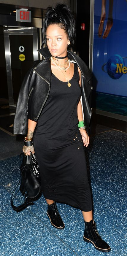 81 Celebrity-Inspired Outfits to Wear on a Plane - Rihanna from #InStyle All black outfits and black boots.