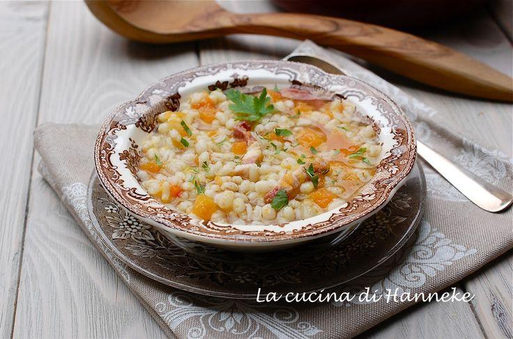 Una gustosa minestra con orzo e zucca