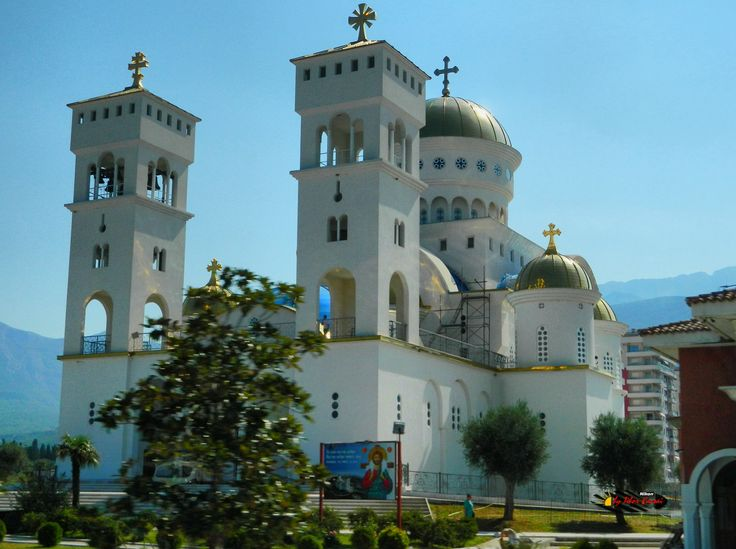 Orthodox Church of Saint Jovan Vladimir in Bar, Montenegro,  photo from the bus, Nikon Coolpix L310, 8.4mm, 1/160s, ISO80, f/10.2, -1.0ev, HDR photography, 201607040945