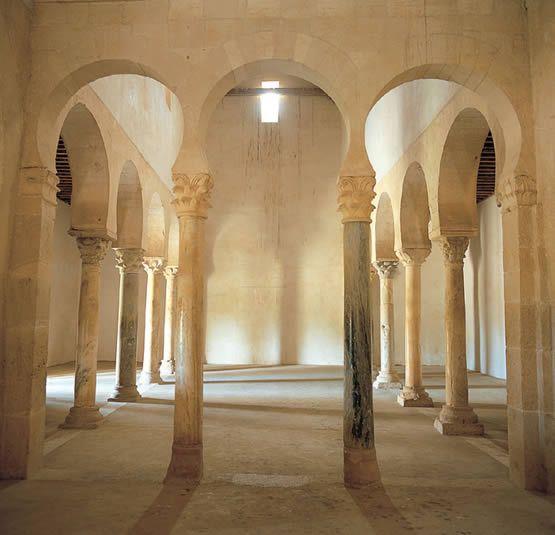 La Iglesia de San Miguel de Escalada, León, España (mozárabe)
