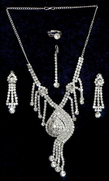 White Stone Studded Necklace Set with Mang Tika and Ring (Stone and Metal))