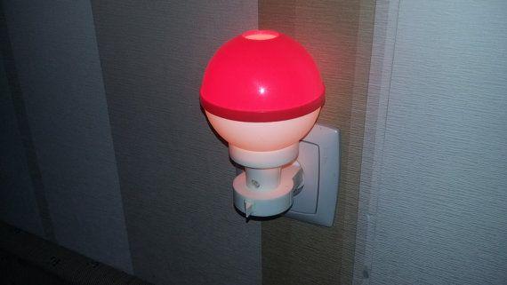 Винтаж. Красный ночник. Декоративное освещение от RAGMAN770
