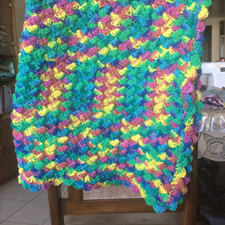 Crocheted baby blanket out of cotton.