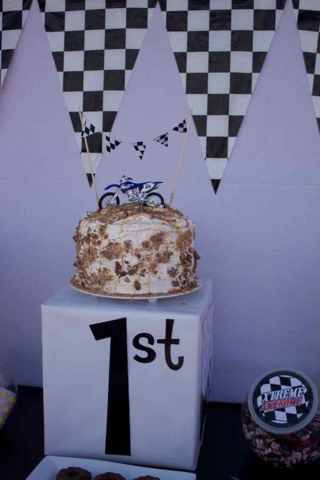 Motocross Party Cake  boy birthday party ideas www.spaceshipsandlaserbeams.com