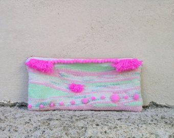 #weaving #woven #handwoven #clutch #colors #pastels #pompom #tasselclutch