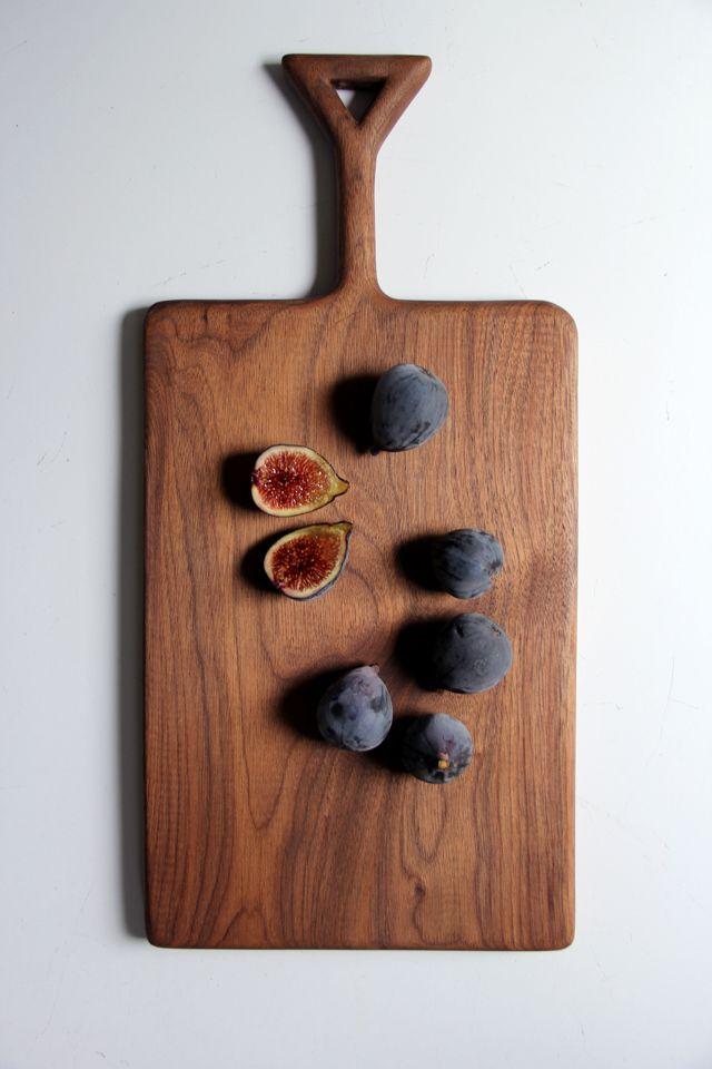 triangle handle walnut cutting board - ariele alasko