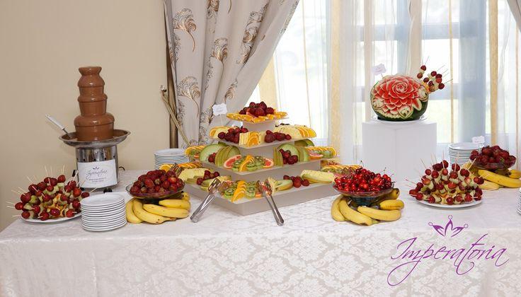 fantana de ciocolata si masa de fructe, fruit bar www.imperatoria.ro