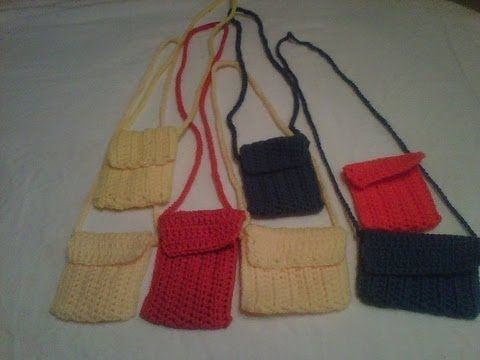 crochet - cell phone case/mini purse, I-pod case - she has a great idea of having two pockets inside (one for phone, one for keys or i.d.) and handle