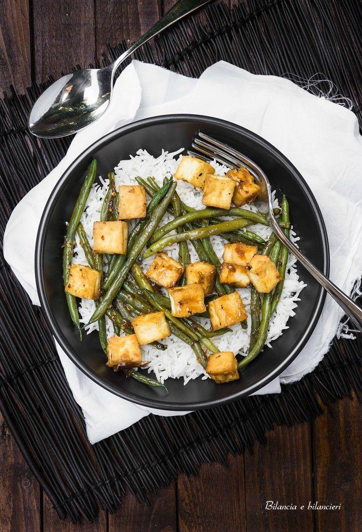 Riso basmati con tofu e fagiolini in salsa allo zenzero