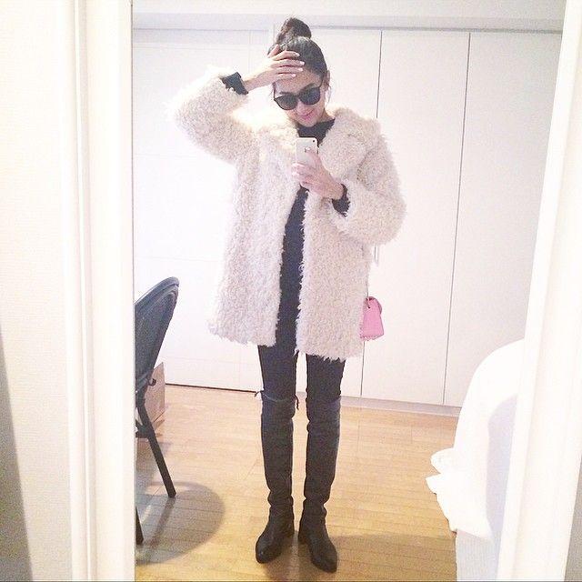 #outfit ❤︎ coat #planetblueworld // boots #StuartWeitzman // bag #FURLA // shades #SAINTLAURENT