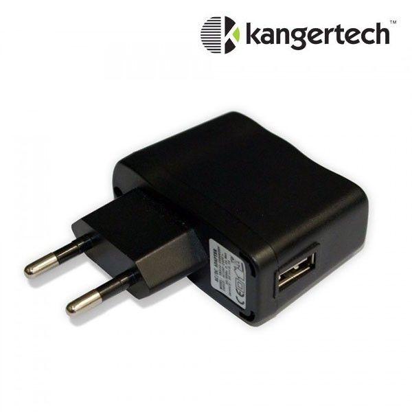 L'adaptateur mural universel de la marque Kangertech permet de brancher au secteur tous les chargeurs de cigarette électronique munis d'un port USB.