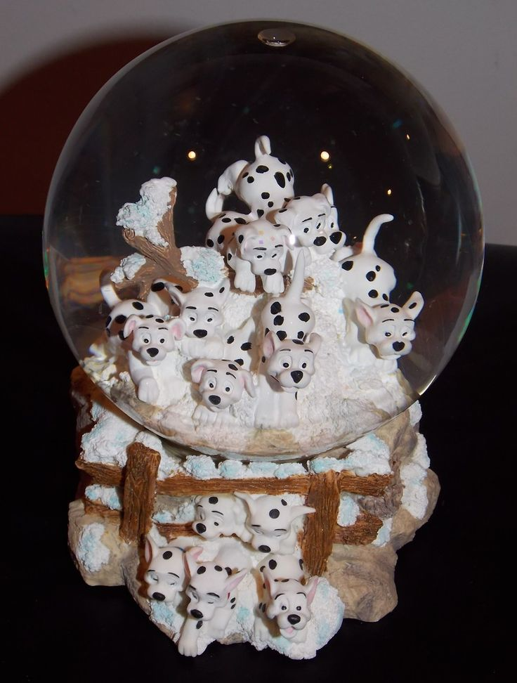 Disney 101 Dalmations Woods Musical Snow Globe With Box Retired
