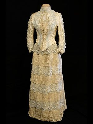 Dresses for women for 1800-1899 fashion