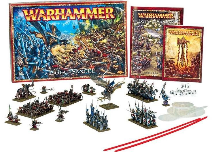 Isola del Sangue è la scatola di #Warhammer e contiene tutto ciò che ti serve per cominciare a giocare a Warhammer: due eserciti completi pronti per essere assemblati e schierati sul campo di battaglia. Fra di essi troverai tutti i tipi di truppa di Warhammer, con esempi di fanteria, cavalleria, mostri, eroi e maghi.