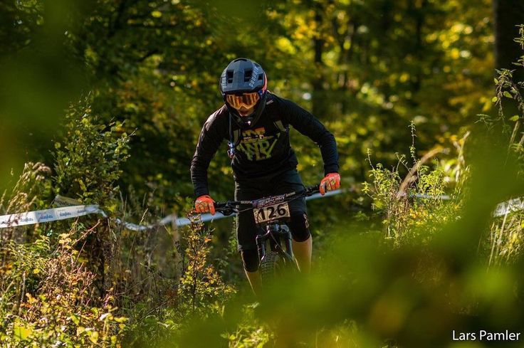 Sunny autumn  with @janik_voth place at #ewsqualifier in Treuchtlingen   Lars Pamler  #racing #podium #autumn #rideandfly #ride_dfy #defygravitymtb #jersey #oekotex100 #fairwear #mtb #enduro #downhill #bikelife #flow #racing #moutains #enjoylife #summer #goodtimes #eatridesleep #rideyourbike