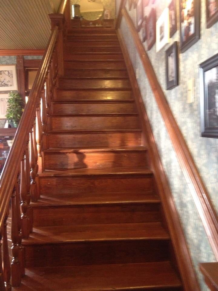 1000 Images About B Amp B Stairs On Pinterest Debtors