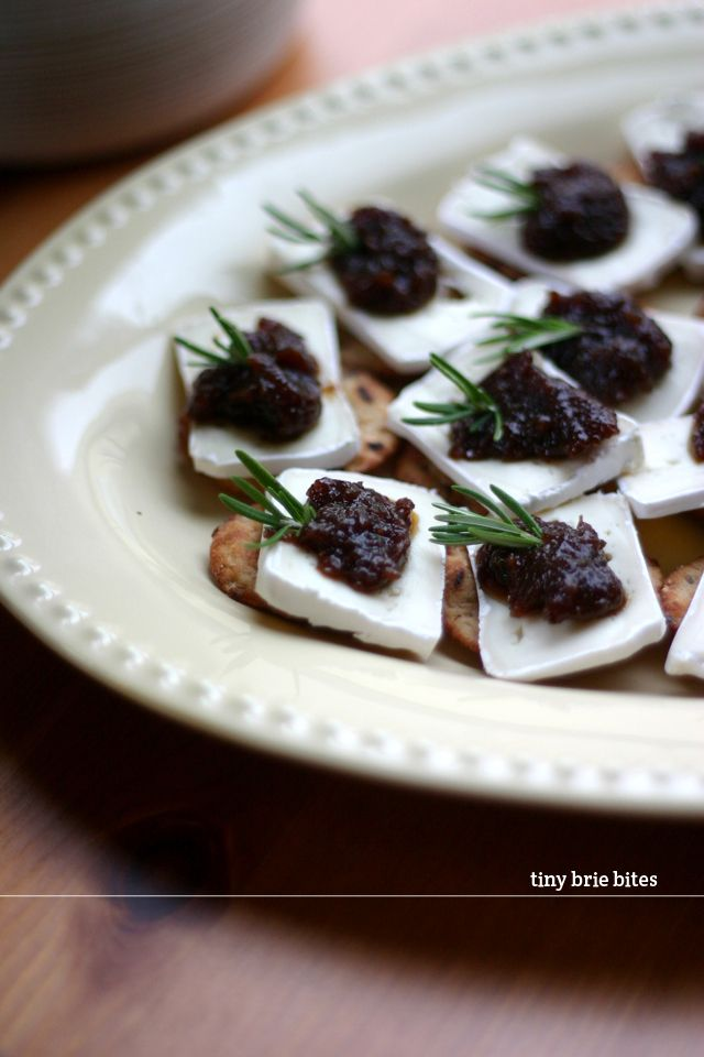 Tiny brie bites: easy appetizer foods! (Crackers, brie, fig jam & rosemary)