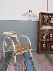 baby vintage chair: Child, Poétiqu Des, Kids Deco, For Kids, Creepy Dolls, Boxes Dolls, De 012, Of Child, Kids Rooms
