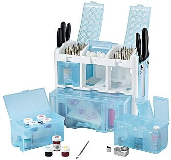 Cake Decorating Caddy Want to own this! Everything I need in one container!