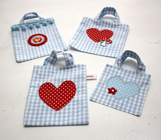 heart bag appliqué totes  diadu: Sewing