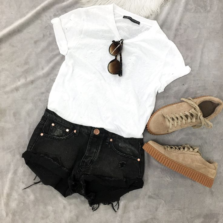 Black shorts outfit