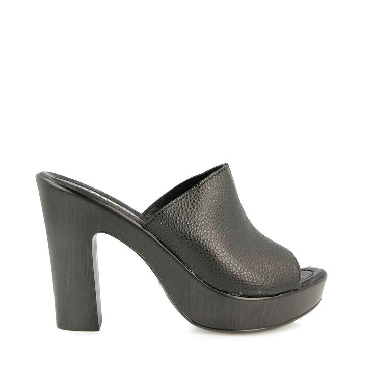 Zuecos Negro para Mujer. Zapatos y Moda Joven para Mujer . Tienda Online de Break&Walk
