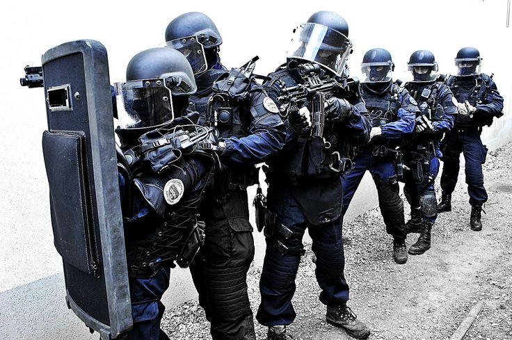 Les 25 meilleures id es de la cat gorie police gign sur for Gendarmerie interieur gouv fr gign