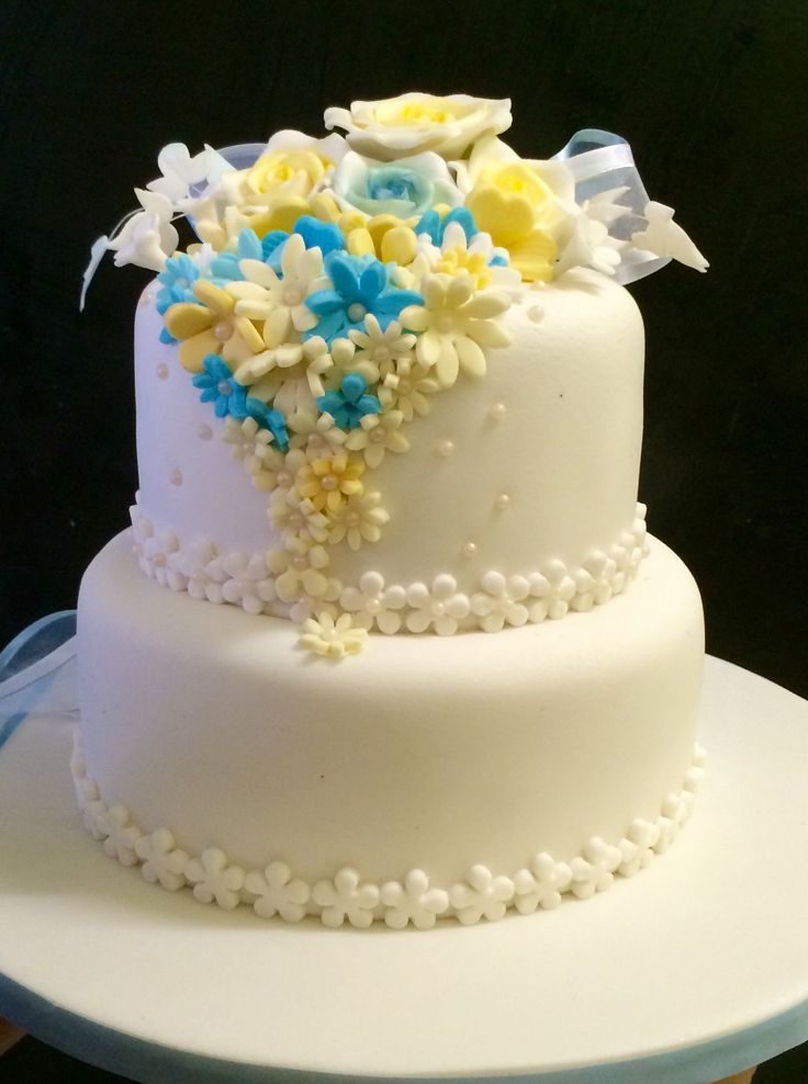 Flower themed small wedding cake