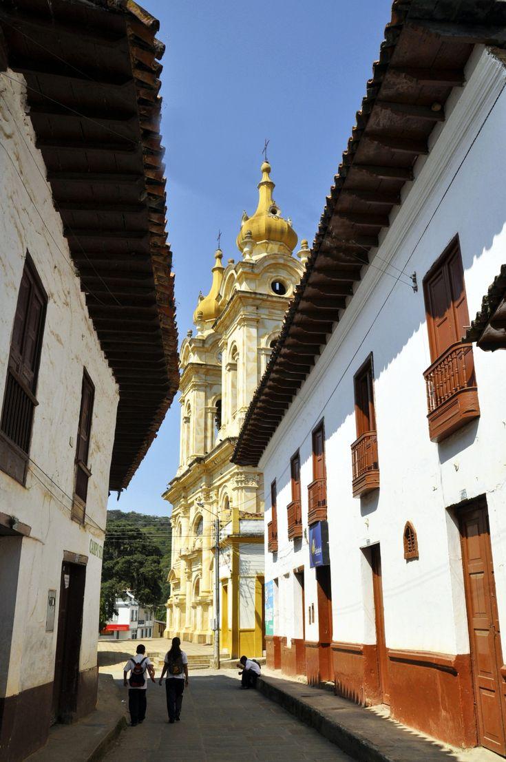 Colombia - La iglesia de Suaita, en la provincia comunera. Santander.