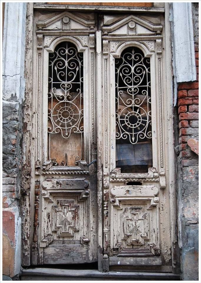"""""""Tfilisi is in details"""" – Old architectural gems of Tbilisi"""