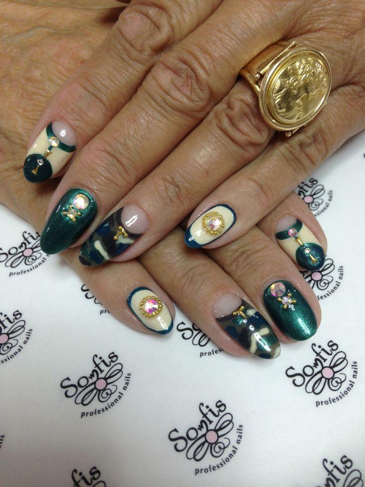 Nail art by Somfis
