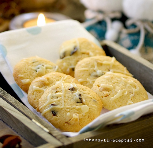 white chocolate, dried cherry and hazelnut biscuits (recipe)