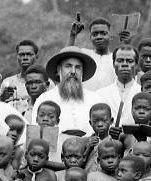 AymemiAYMEMI  Antonio  Prêtre catholique espagnol, missionnaire clarétain, présent à Fernando Poo de 1894 jusqu'à sa mort en 1941. Auteur d'un dictionnaire espagnol-bubi (1928) et d'une étude anthropologique sur le peuple bubi (« Los Bubis en Fernando Poo »), publiée en Espagne, un an après sa mort, en 1942.