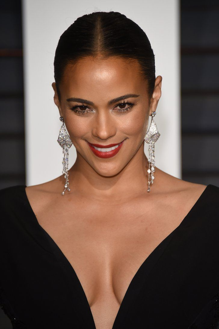 Pin for Later: Get Insider Access to Every Beauty Look From the Oscars Afterparties Paula Patton Paula Patton set off her statement earrings with silver glitter accents around the eyes at the Vanity Fair Oscars party.