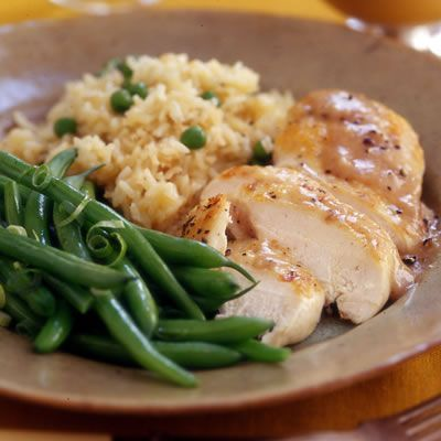 "Chicken recipes Rachel Ray ""Chicken with Apple Gravy, Rice Pilaf and Green Beans (30 minute meals) *looks like I found dinner!"""